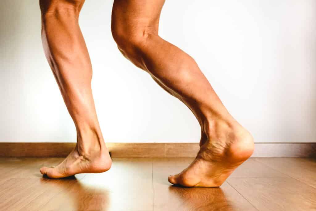 macho feet