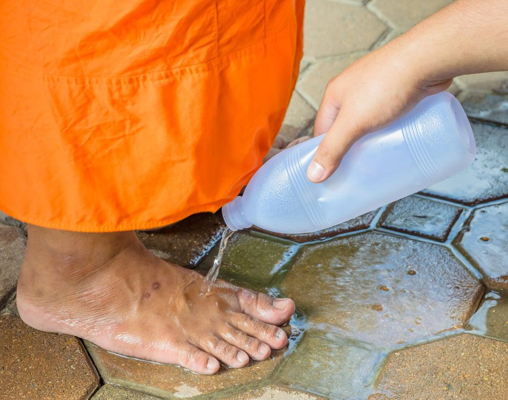 vinegar foot treatment