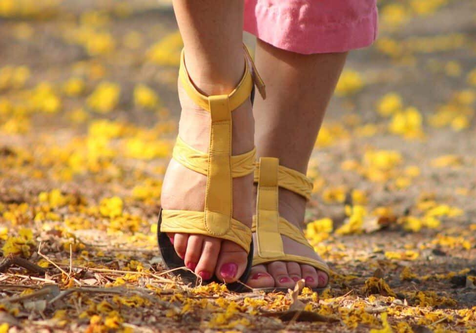 feet, lady, walking
